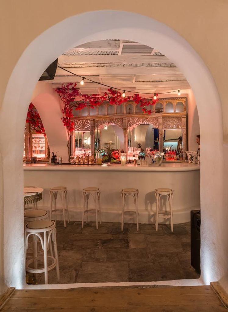 bars LINARDO PAROS ISLAND